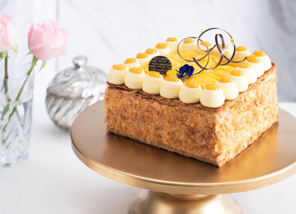 Spice up your special occasions and impress your guests with delicately crafted cakes from Palm Court.