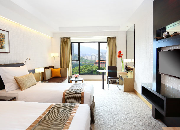 Book now to revel in a relaxing staycation at Royal Park Hotel with exclusive staying privileges.